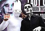 LadyGaga新加坡演唱会 粉丝扮僵尸骷髅玩惊悚