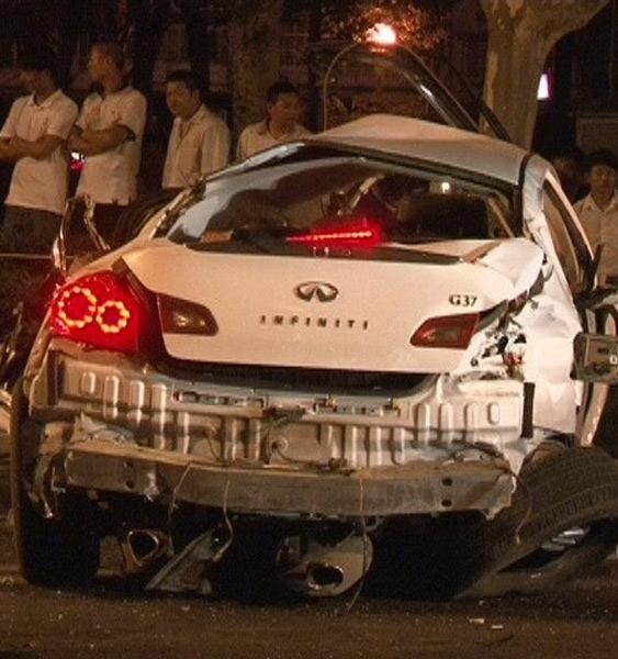 南京发生一起车祸 4人亡