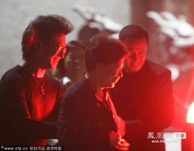 汪峰为女儿办百日宴 第三任妻子身份成谜_黑龙