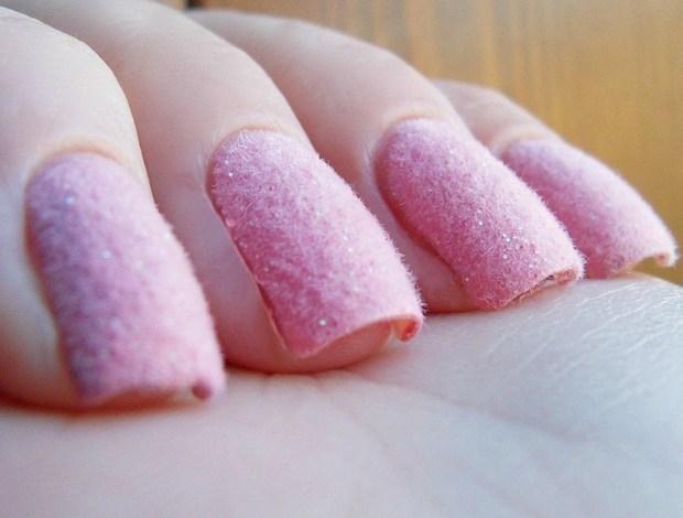 粉色指甲图片-指甲裸粉色美甲图片_粉色指甲好看图案