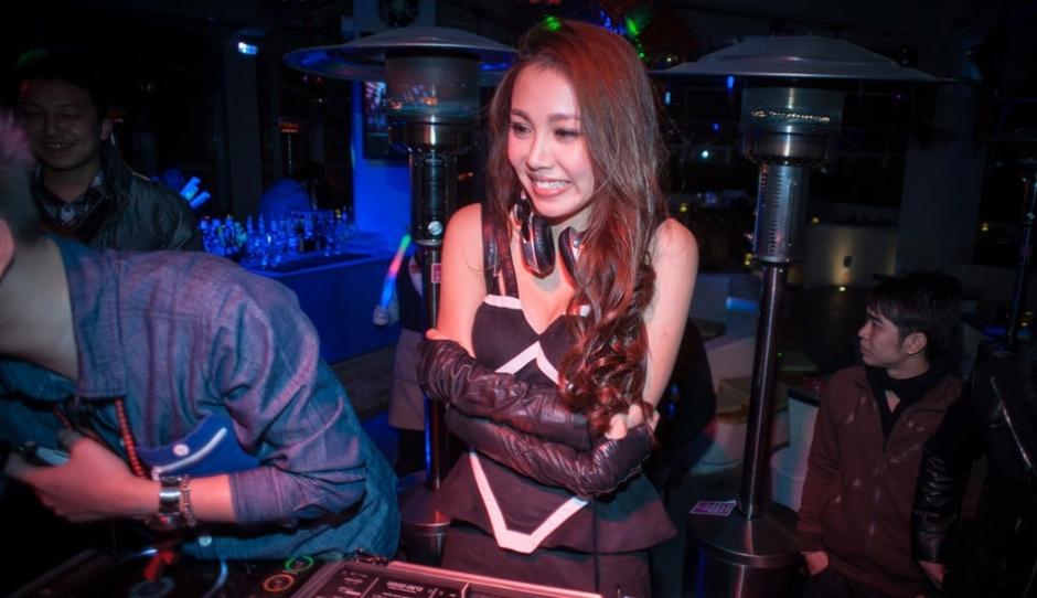 香港三级片女星内地夜店站台