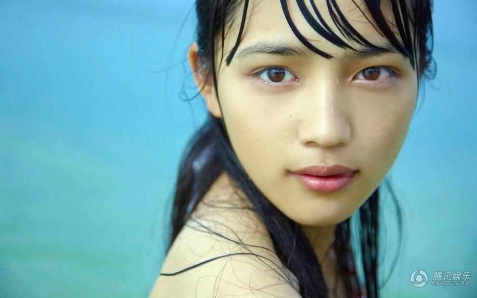日本 东京/18岁女星川口春奈发行写真集称最崇拜菅野美穗