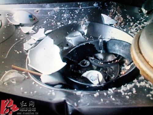 高压锅爆炸震碎天花板