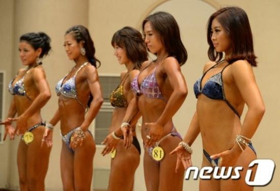 韩国举办女子健美赛 寻找最美肌肉女