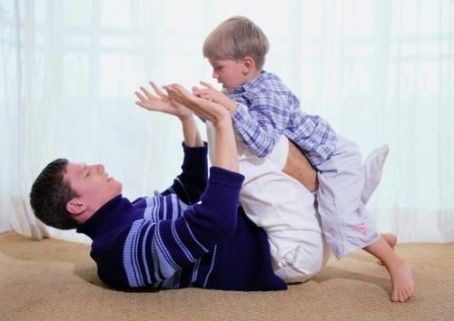 四岁九个月宝宝亲子互动游戏
