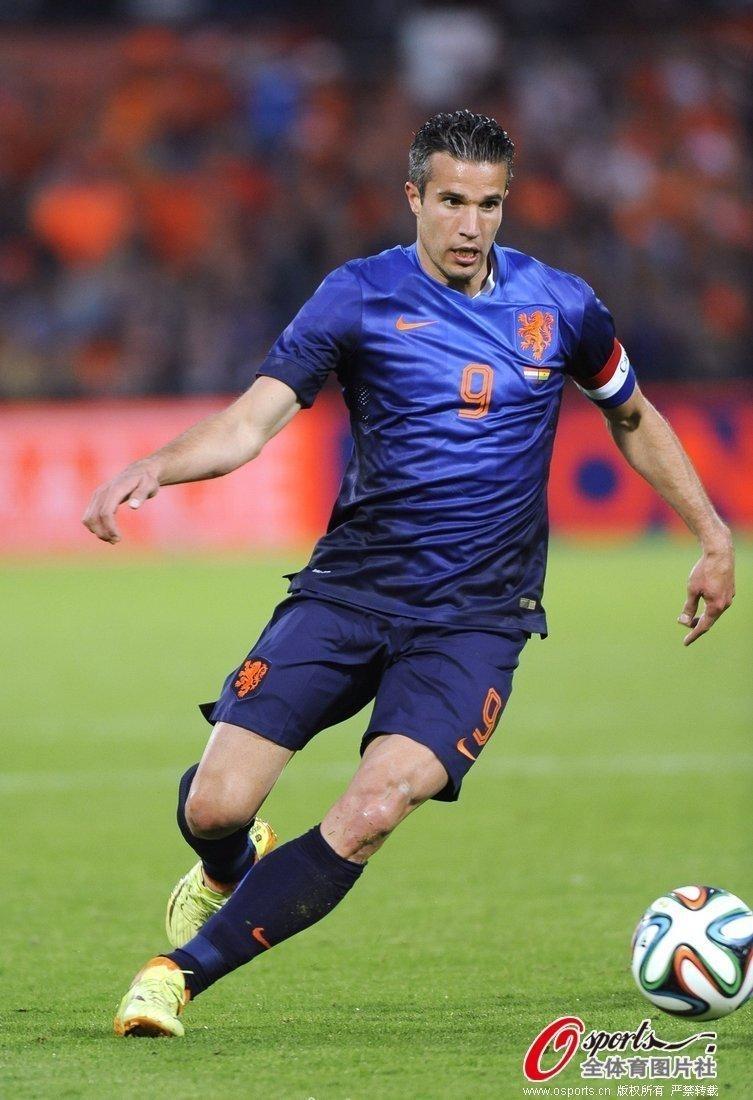 范佩西破门罗本错失两球 荷兰1-0胜加纳(图)