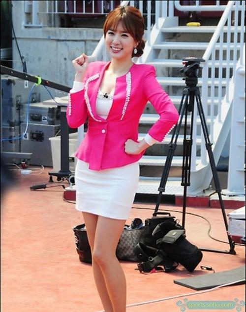 世界杯美女主播:韩国花旦专业
