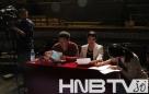 大赛评委李一明(左一) 李石红(左二)认真商讨比赛事宜