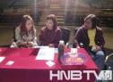 大赛导演张娜(左)、史芙蓉(左)、王恒斌(右)认真商讨比赛事宜