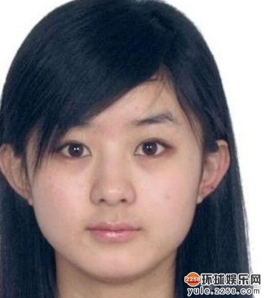 明星素颜证件照:刘晓庆如蜡像宋茜满脸麻子