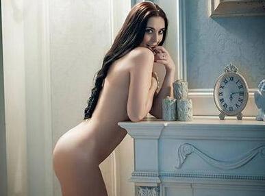 近日乌克兰美女政客裸照流出