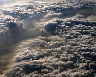 北京到广州航班上实拍南北雾霾