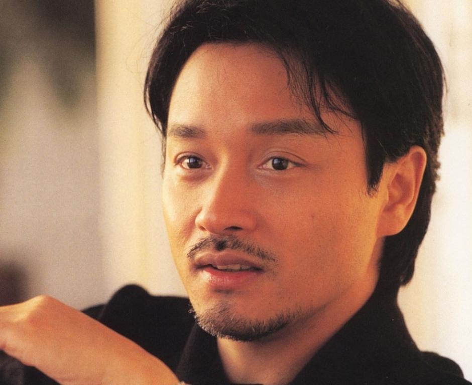 张国荣和唐鹤德之间的同性之爱还曾被香港电台评为圈内感情最坚定的