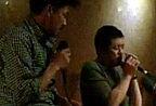 李亚鹏携王学兵酒吧唱歌