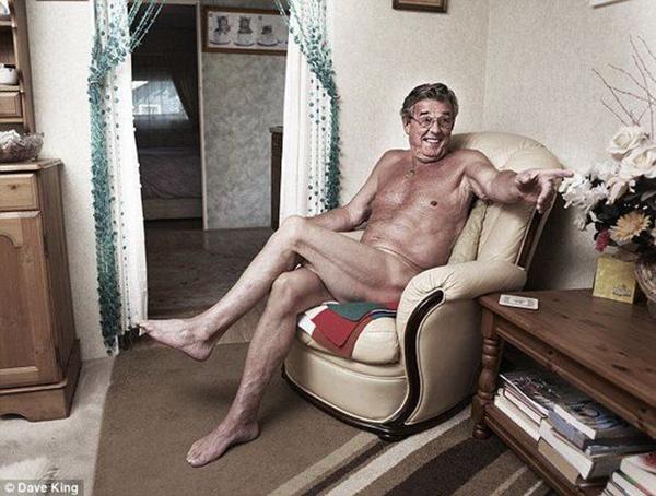 英国裸体村海量生活照曝光丰乳肥臀看个够