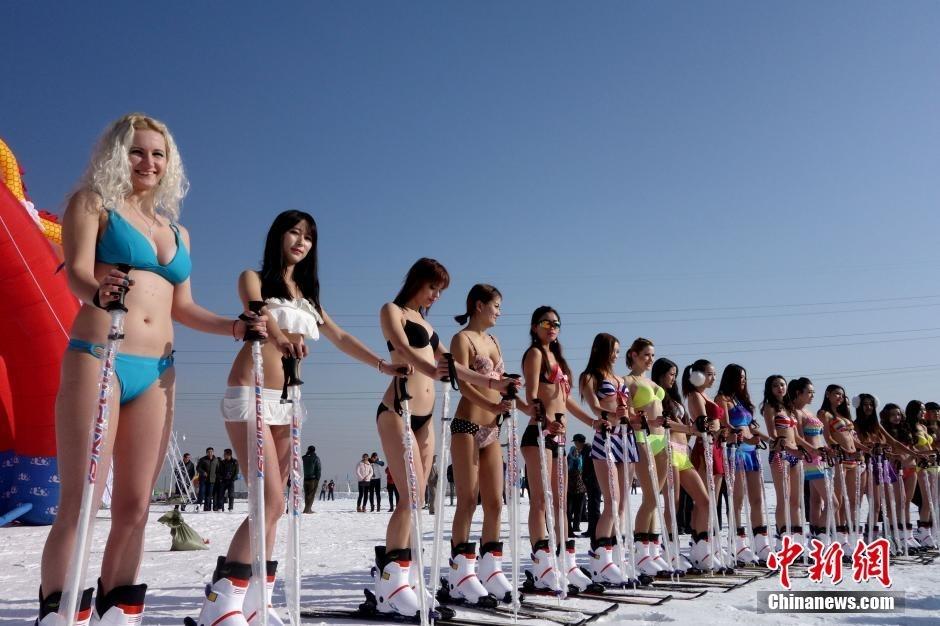 20名来自俄罗斯 乌克兰及中国内地美女模特现场助阵