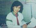 鞠萍作为中央电视台的第一位专职少儿节目主持人,多年来,她以其甜美的形象、自然活泼的主持风格深受全国亿万小朋友和家长们的喜爱并得到社会及专家的广泛 承认和赞扬。