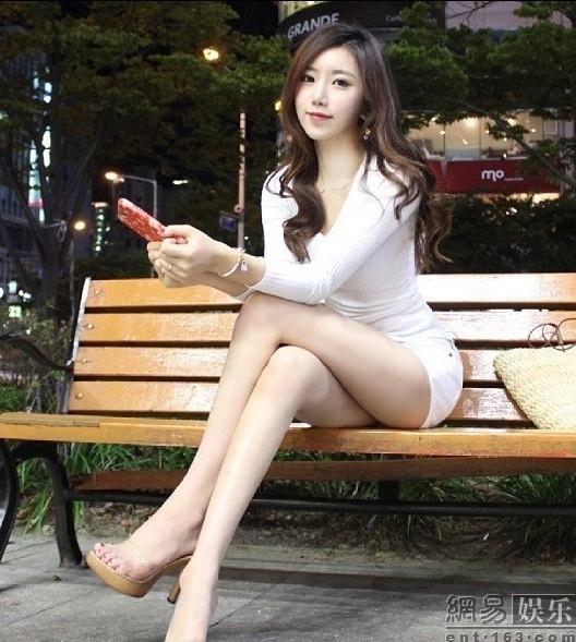 一组韩国爆红美女体育老师的照片在网上大热