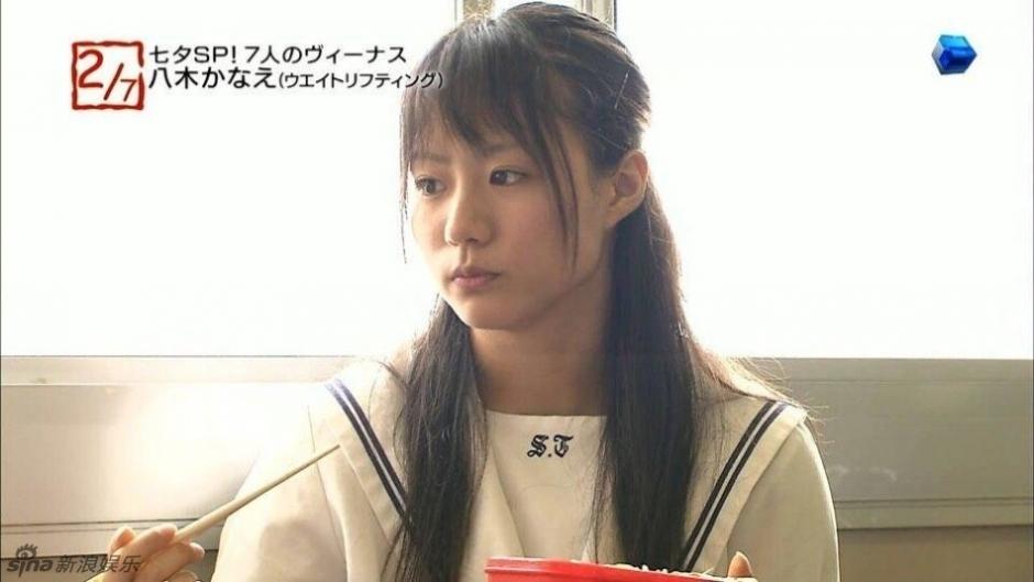 日本举重美女童颜热辣