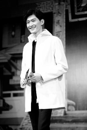 张翰昨日亮相《少年四大名捕》杭州粉丝见面会-张翰不怕拍吻戏 有邪