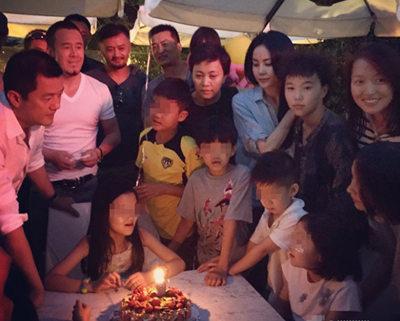 王菲李亚鹏离婚后相聚为女儿庆生