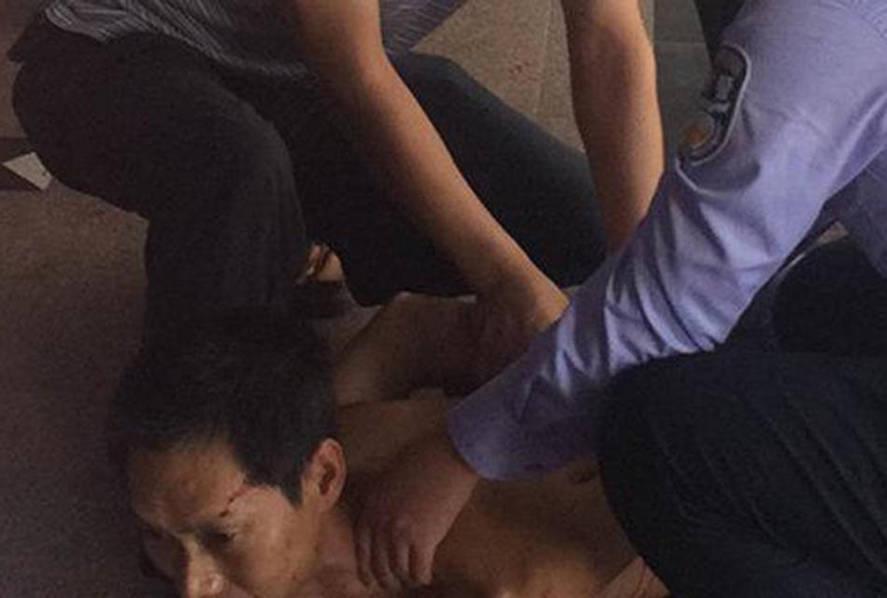 18岁女护士被男病人割断手筋 持玻璃片行凶(组图)