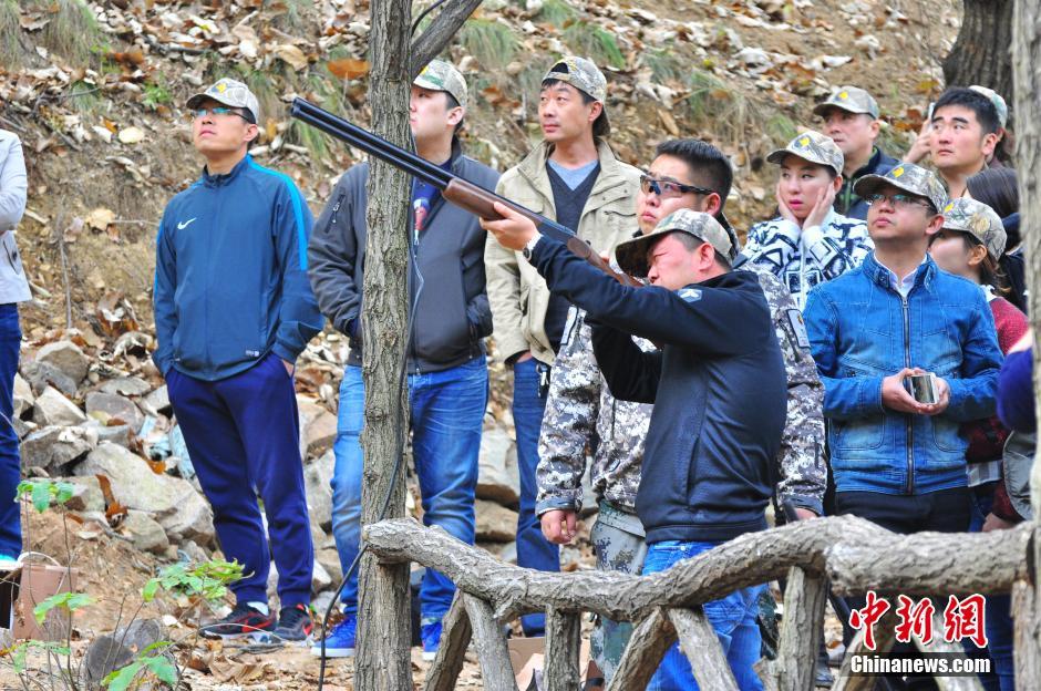 揭秘华东唯一大型狩猎场 真枪实弹狙杀