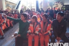 18位龙广电主持人都纷纷走上舞台,从不同的角度讲述了环卫工人艰苦作业的方方面面。