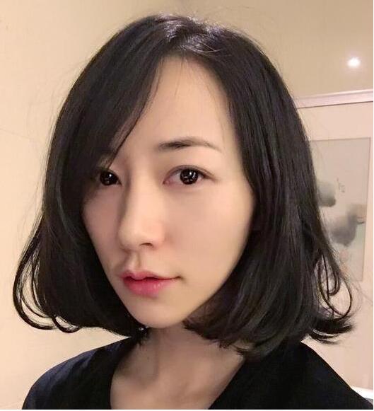 韩雪晒短发造型俏皮可爱网友:清纯的大学生