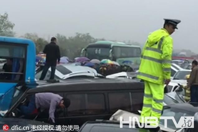 常州段过横林枢纽4公里处发生重大车祸