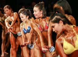 金刚芭比肌肉猛男同台秀 杭州举行健美健身锦标赛