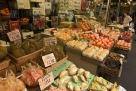 日本新宿的水果摊
