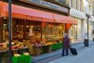 卢森堡的水果摊,管理费一定不低