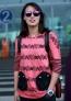 09月17日,洪荒少女傅园慧现身首都机场,超级可爱再奉献表情包,一路与粉丝亲切的合照,并表示没有吃月饼。