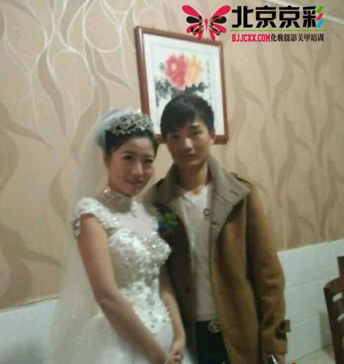 分享北京京彩半永久化,双生公主玩转校园妆培训学校化妆师实习新娘妆体验