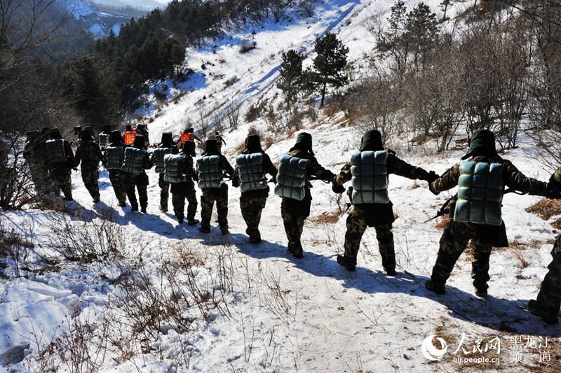 武警黑龙江省总队开展野营拉练 创新模式训新兵