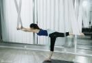 王丽坤练瑜伽身姿曼妙 好身材一览无遗