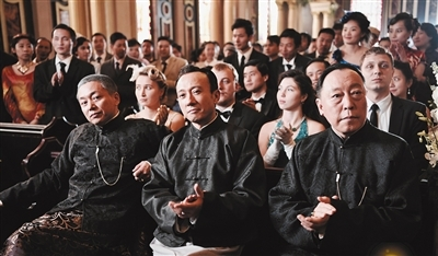 刘奕君、赵立新、倪大红三大亨合体亮相,上海滩大佬气质立显。