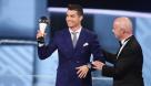 C罗荣膺2016年世界足球先生。