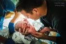 """这位妈妈刚刚辛苦地生下了她的第一个孩子——""""我做到了!他终于来到了这个世界!"""""""