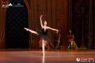 今年,哈尔滨大剧院将上演被称为俄罗斯当代戏剧灵魂的列夫·朵金导演的契科夫三部曲《樱桃园》、《三姐妹》、《万尼亚舅舅》;俄罗斯的经典剧作《叶甫根尼·奥涅金》、当代芭蕾《安娜·卡列尼娜》、《堂吉诃德》以及来自歌剧王国意大利的《茶花女》、《卡门》、《艺术家的生涯》、《假面舞会》、《爱之甘醇》、《奥赛罗》等八部世界经典歌剧。4月1、2日,哈尔滨大剧院将迎来开幕一周年纪念演出,《但愿人长久——中国唐宋名篇音乐朗诵会》再度登上哈尔滨大剧院的舞台。
