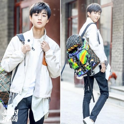 王俊凯背印花背包图片