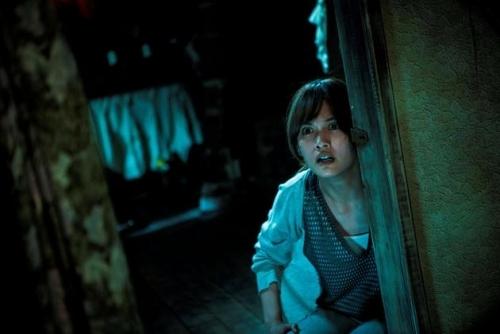 杨丞琳表情惊恐