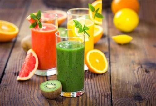 用开水代替喝果汁
