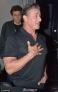 日前,71岁的硬汉西尔维斯特·史泰龙(Sylvester Stallone)深夜现身街头。史泰龙身着灰T尽显健硕胸肌,十足硬汉风,在街边获娇妻亲密搂肩,大秀恩爱。