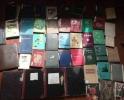 冰城84岁老人写过近60本日记 摞起来一米多高