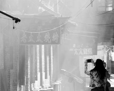 烟熏火燎的旧时光 哈尔滨松光电影院胡同老房子林立