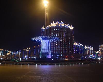 黑龙江黑河:魅力边城流光溢彩夜色美