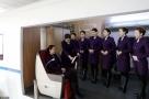 """2017年4月10日,在哈尔滨客运段哈齐高铁车队的实训基地里,培训导师正在对新入职的""""动姐""""进行着岗前培训。"""